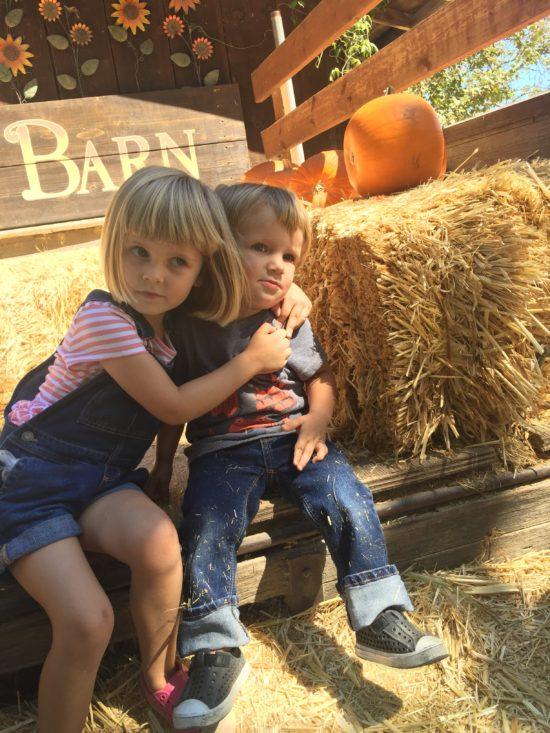 Avila Valley Barn Slo Pumpkin Patch siblings