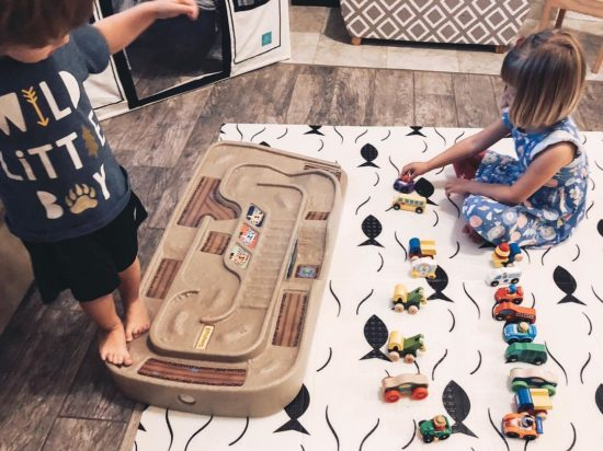 Simplay 3 Carry & Go Track Table Review_A great holiday gift for kids_3