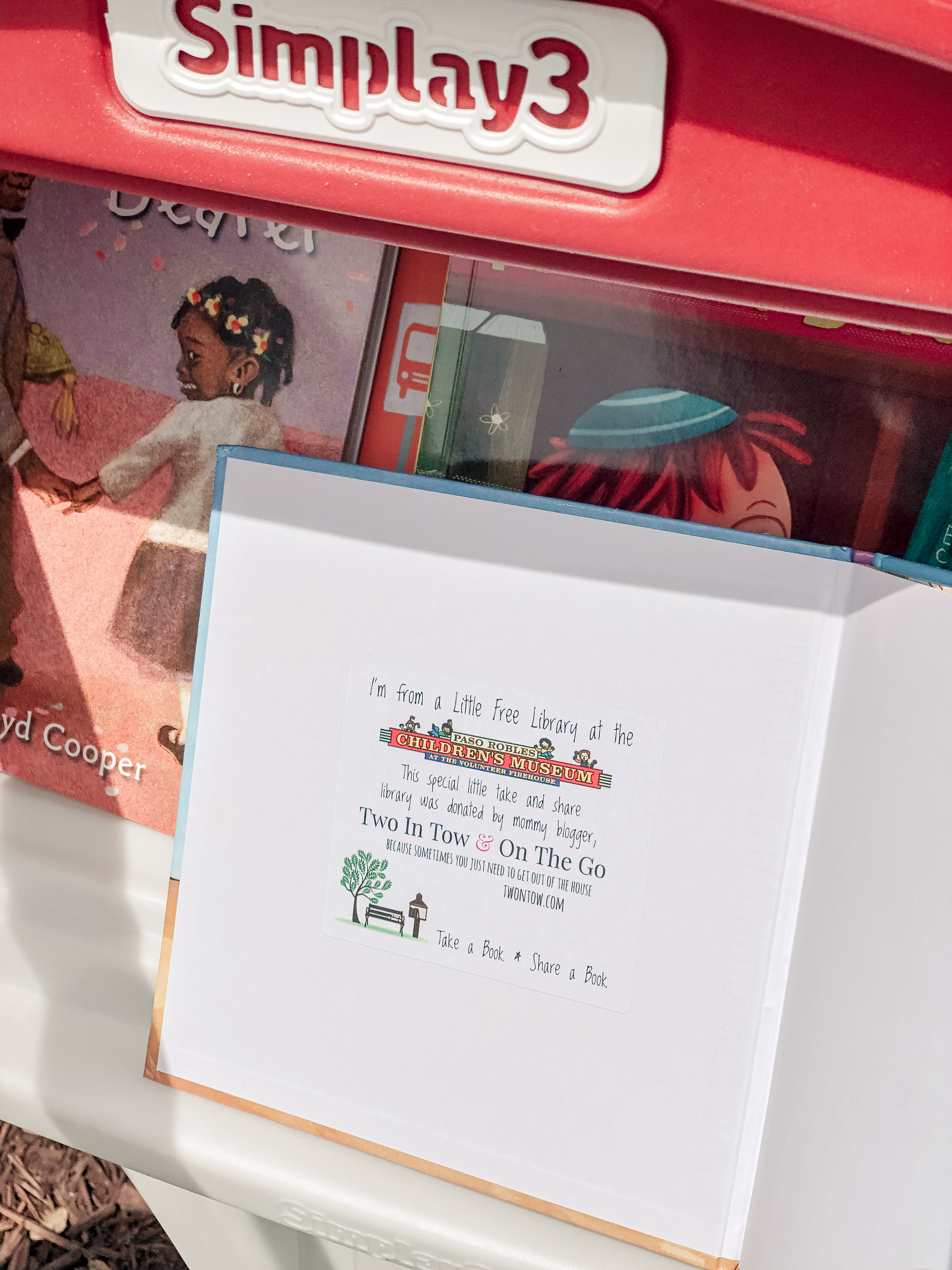 Simplay3's Little Free Library by Two In Tow & On The Go_5