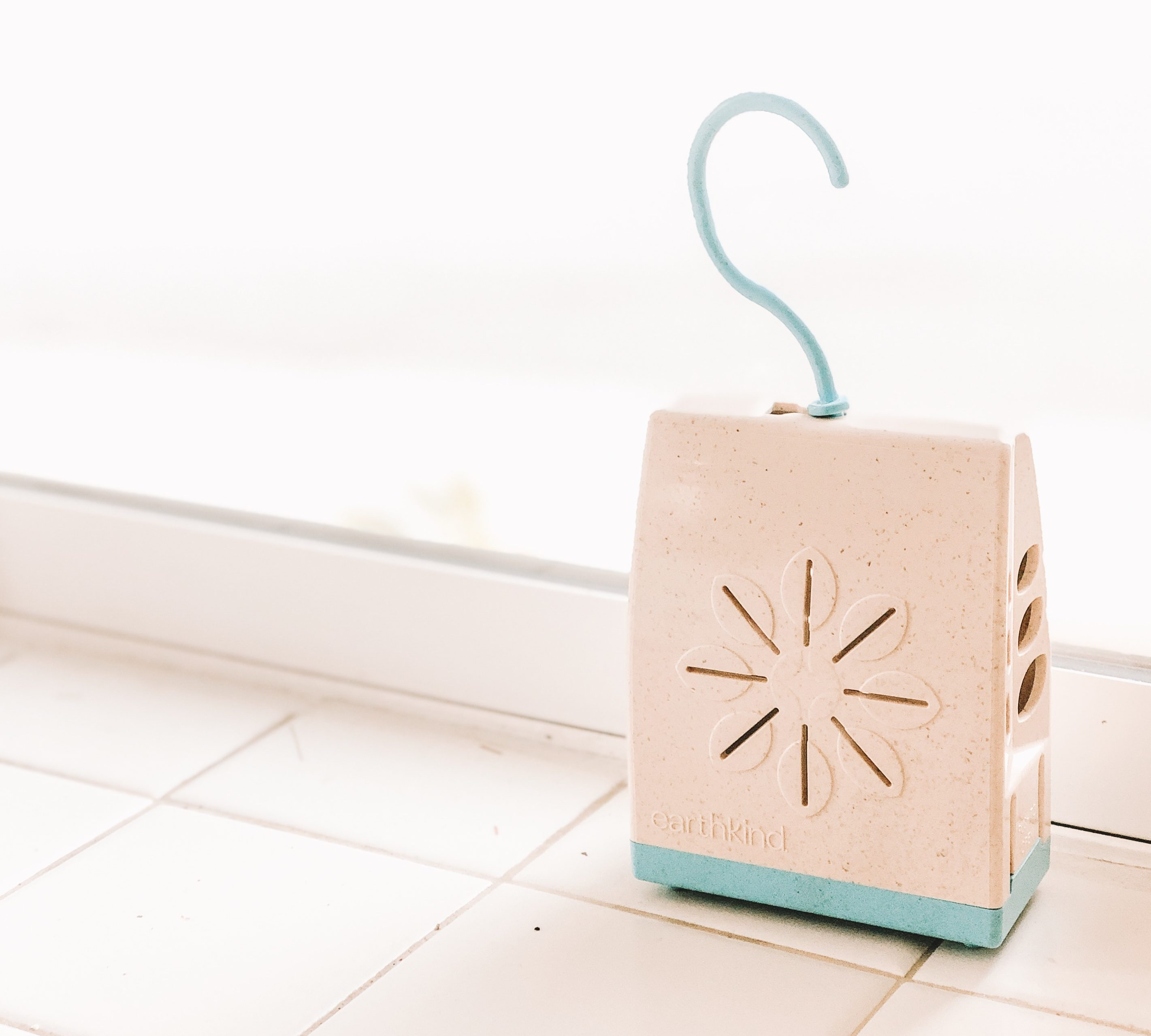 EarthKind Stay Away Pod for pouches to go into to keep kids out and stains off