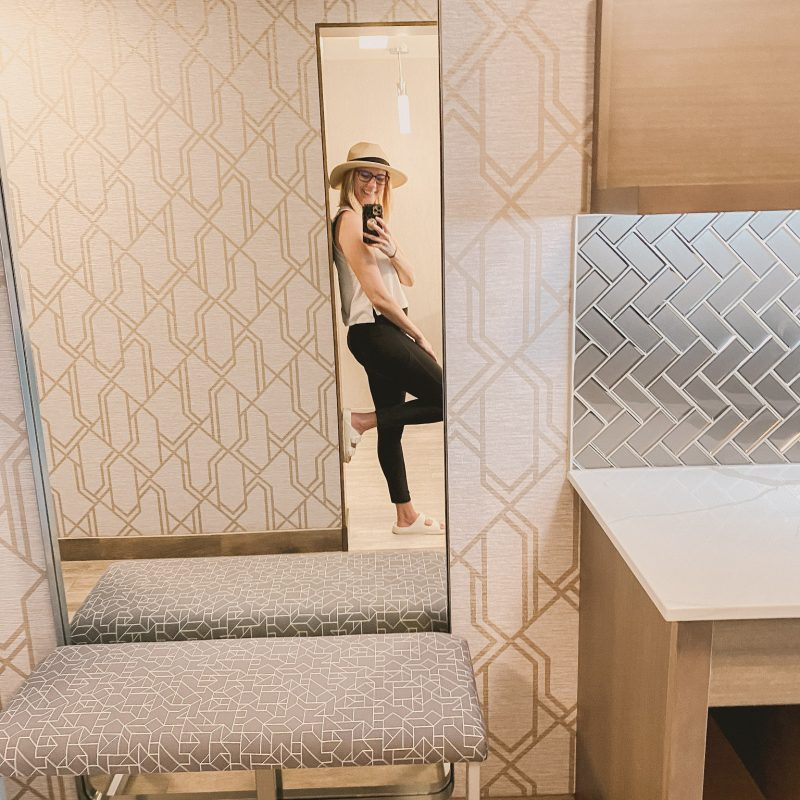 selfie in the mirror of a hotel